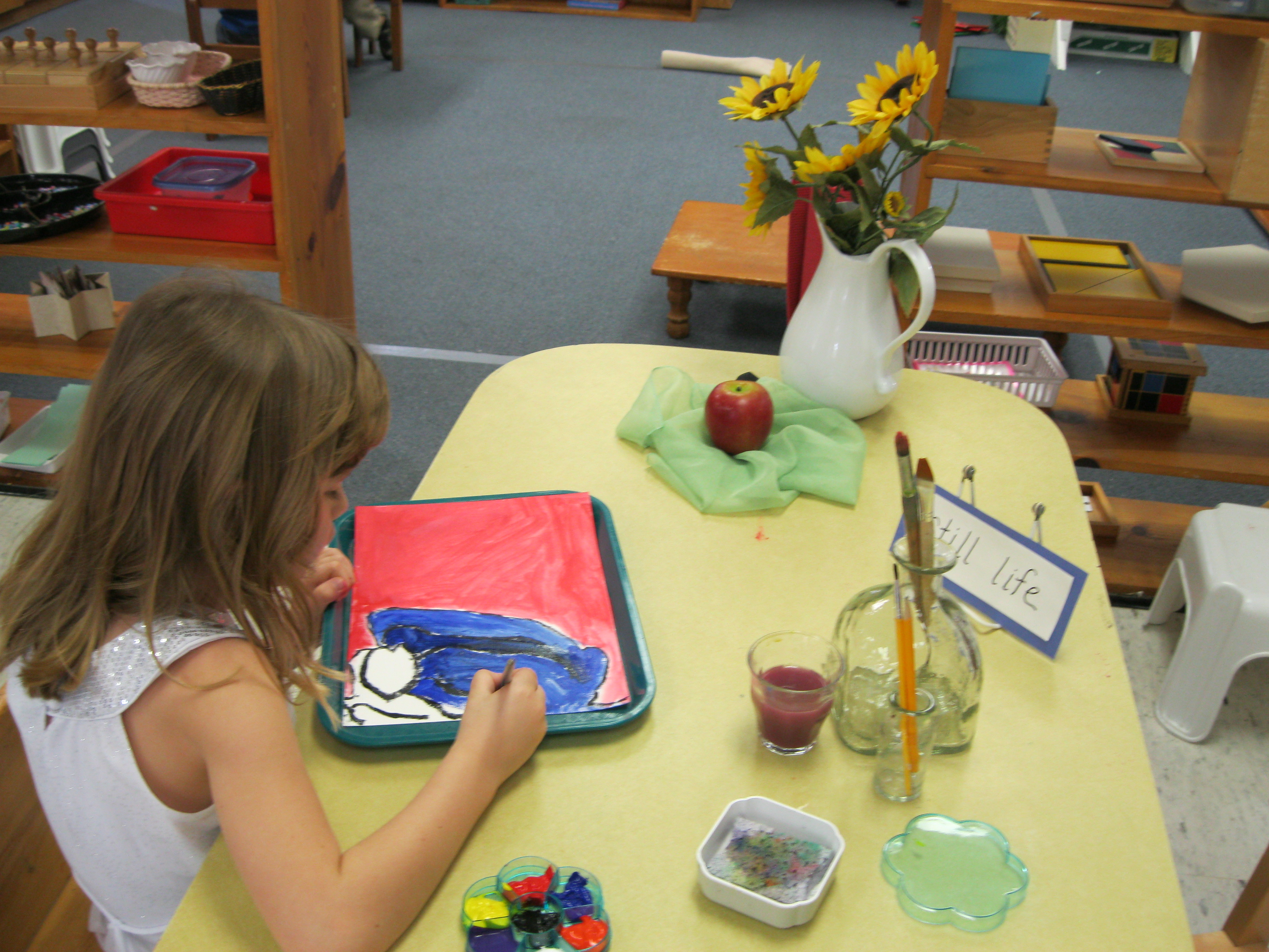 MSP student creating a still life painting